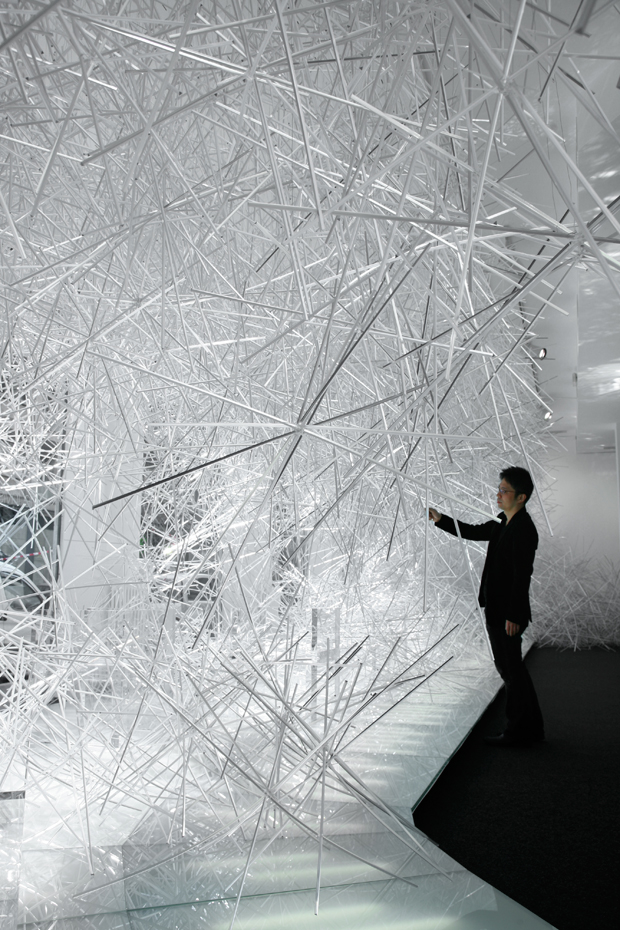 tokujin yoshioka stellar swarovski crystal palace 3 Tokujin Yoshioka The Invisibles for Kartell